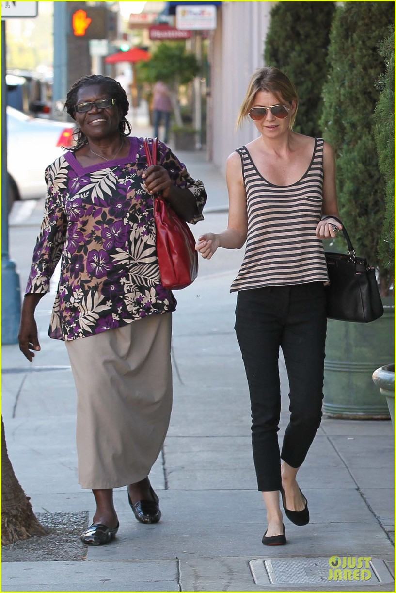 ellen pompeo ice cream sunday with mother in law 04