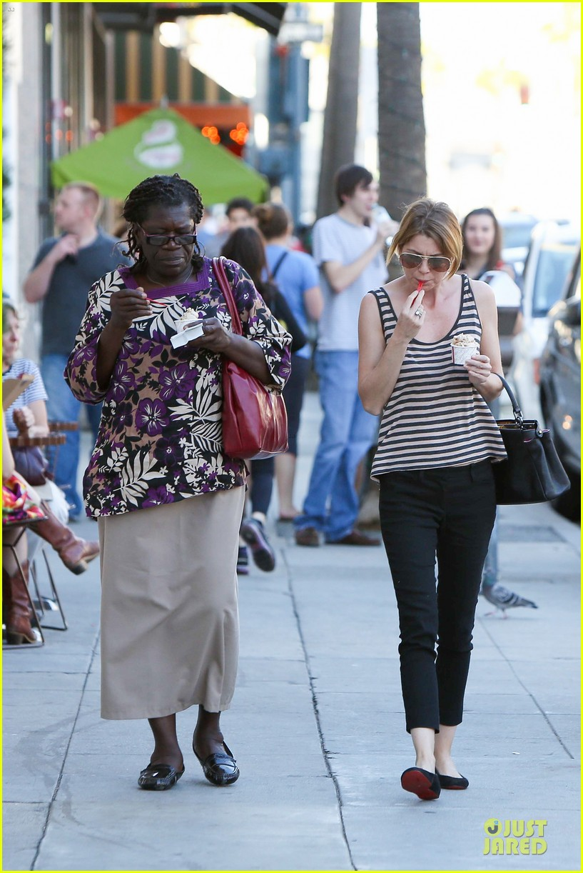 ellen pompeo ice cream sunday with mother in law 06