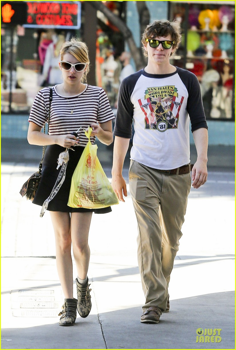 emma roberts evan peters halloween costume shopping 112746050