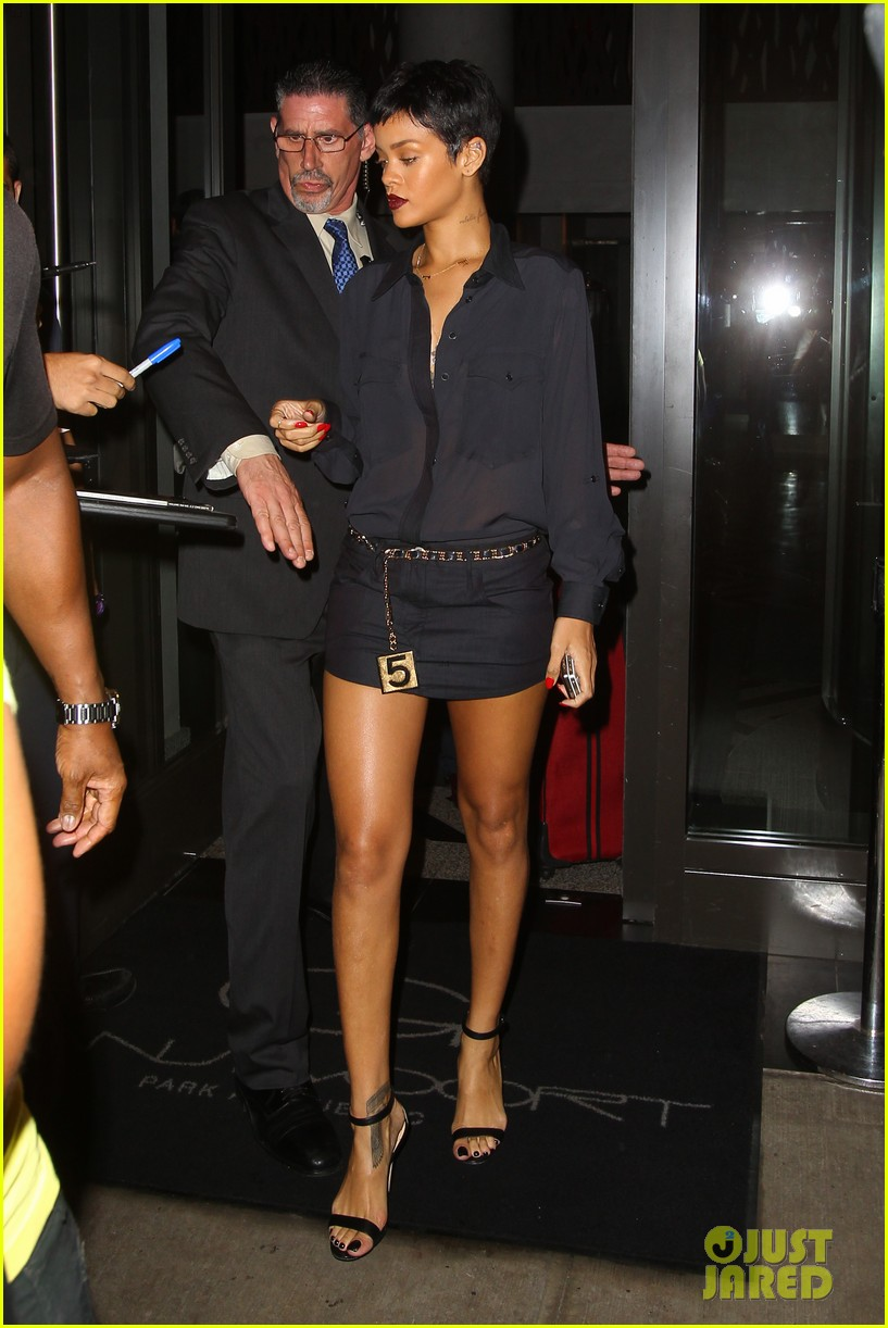 rihanna chris brown gansevoort hotel departure 212732698