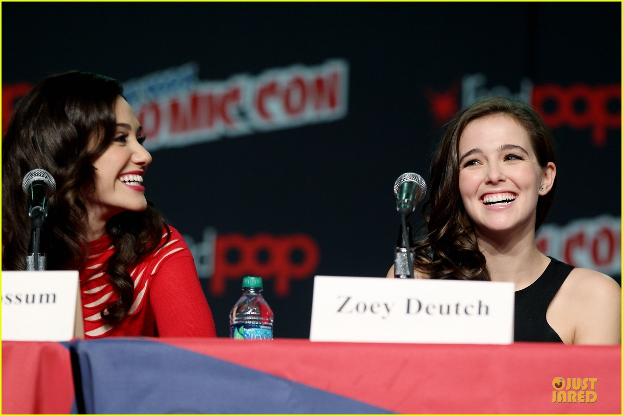 emmy rossum beautiful creatures comic con panel 05