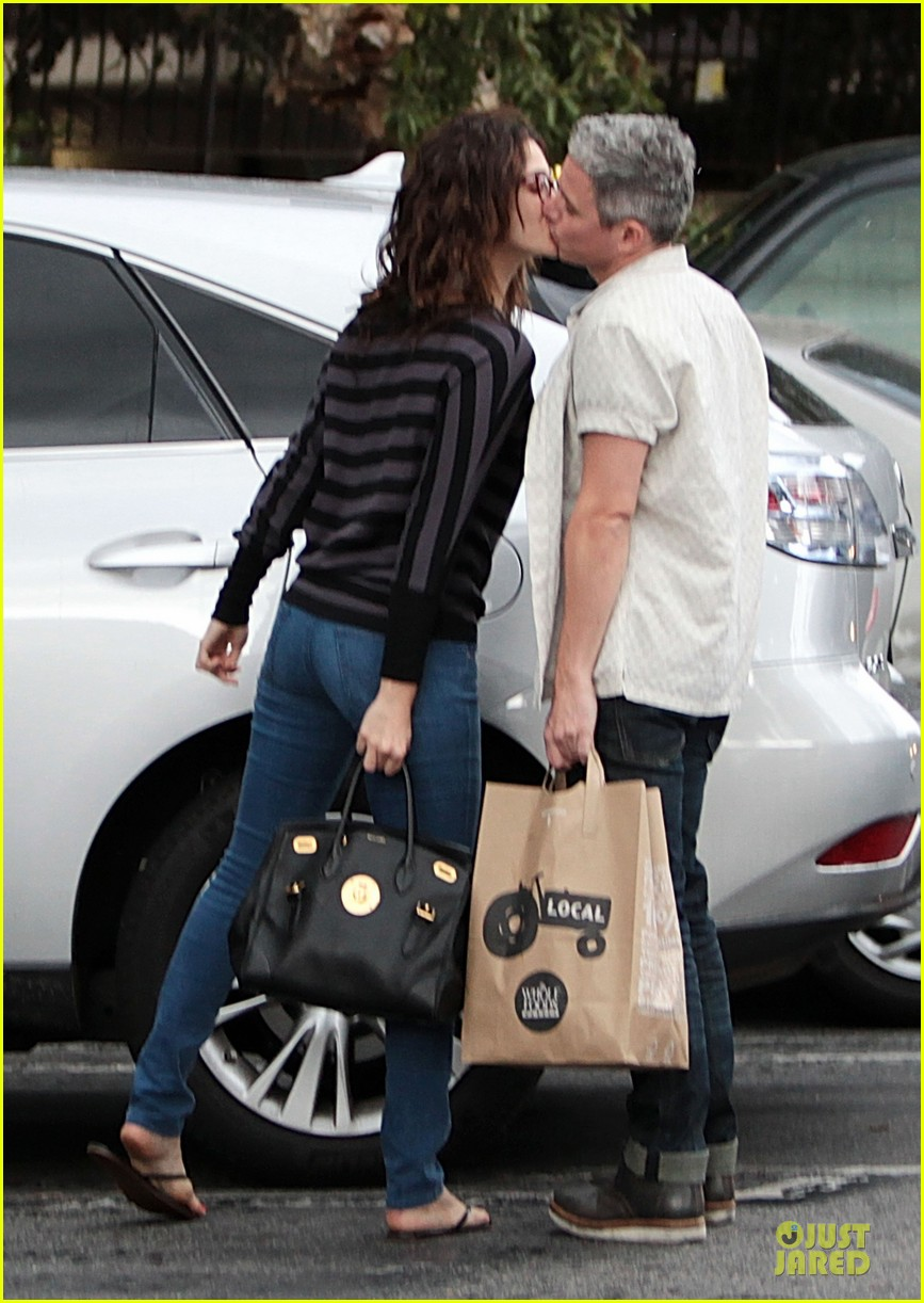 emmy rossum kisses mystery man in studio city 012737270