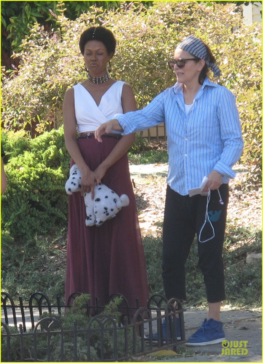 zoe saldana nina set with a dalmation 03