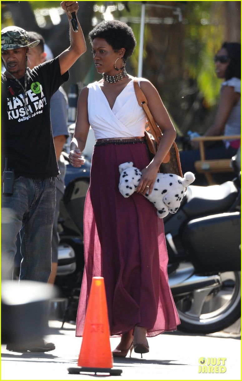 zoe saldana nina set with a dalmation 19
