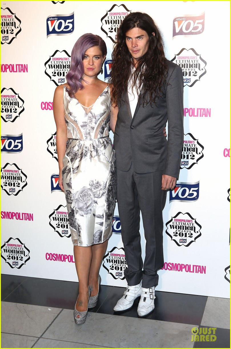 nicole scherzinger kelly osbourne cosmopolitan ultimate woman of the year awards 032748533