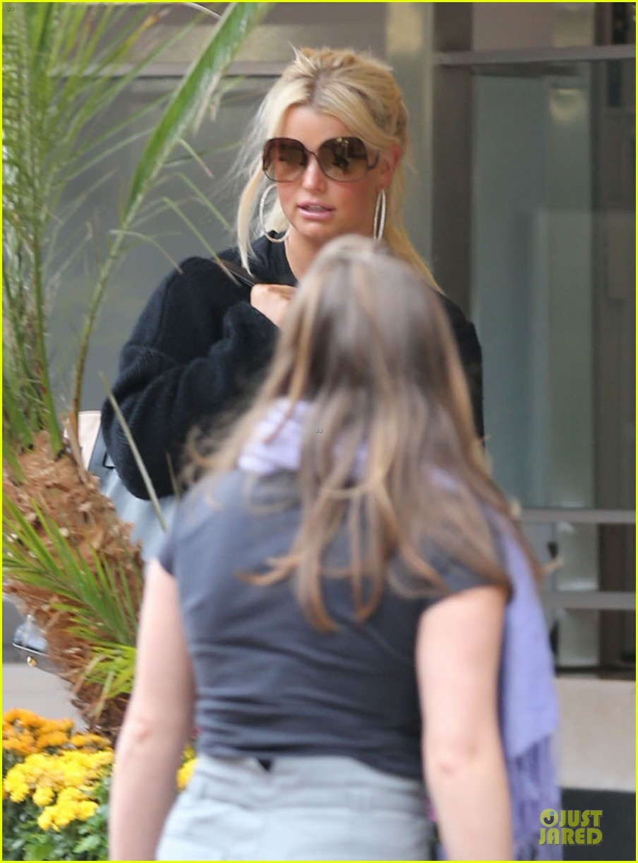 jessica simpson jessica simpson collection tour with ashlee simpson next month 02