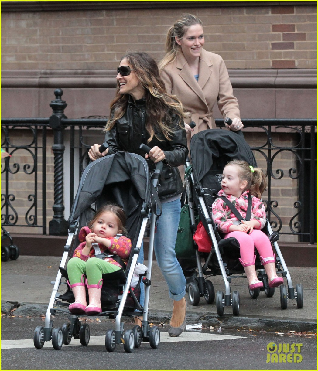 sarah jessica parker big apple morning with kids 05