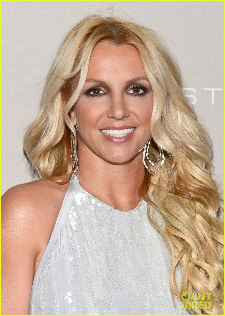 britney spears city of hope gala with jason trawick 02