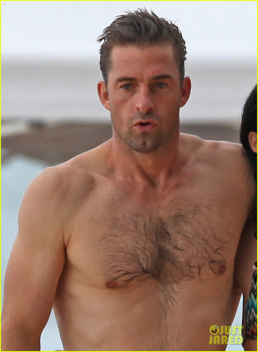 scott speedman camille de pazzis kissing 02