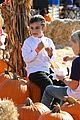 gwen stefani gavin rossdale pumpkin patch with the kids 20