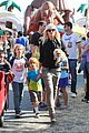 gwen stefani gavin rossdale pumpkin patch with the kids 30