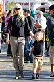 gwen stefani gavin rossdale pumpkin patch with the kids 37