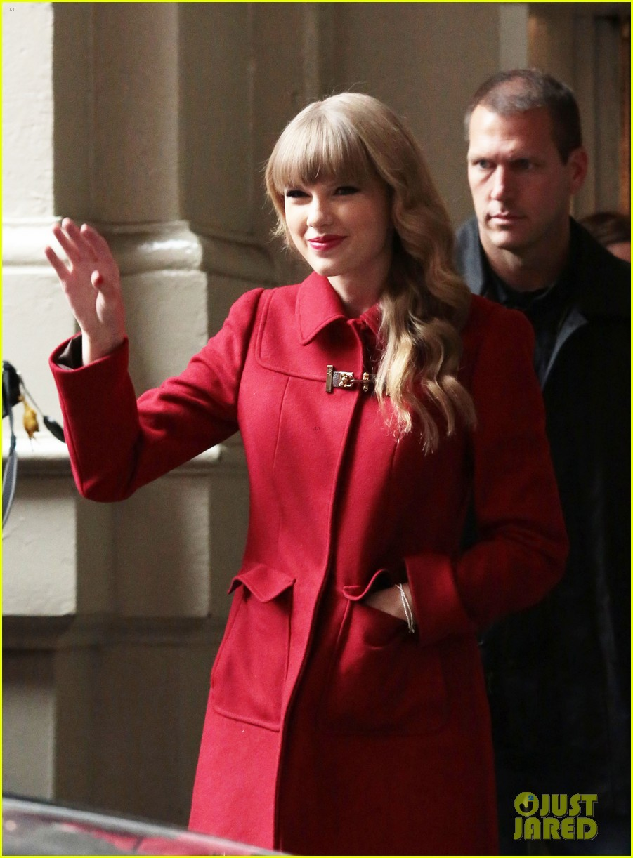 taylor swift red sales to reach one million copies 102744249