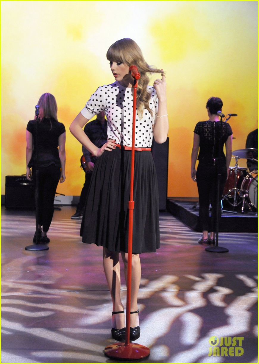 taylor swift the view apprearance 012744183
