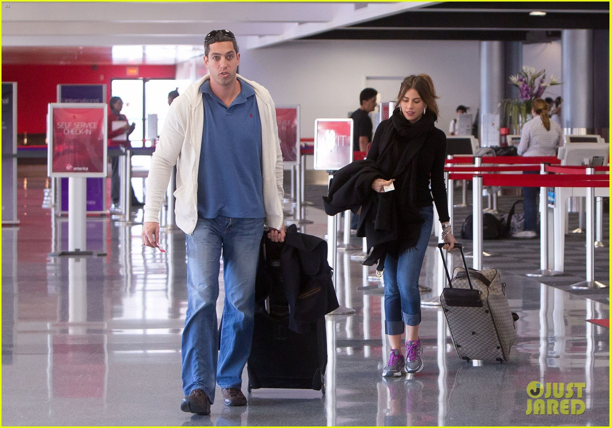 sofia vergara lax departure with nick loeb 032737508