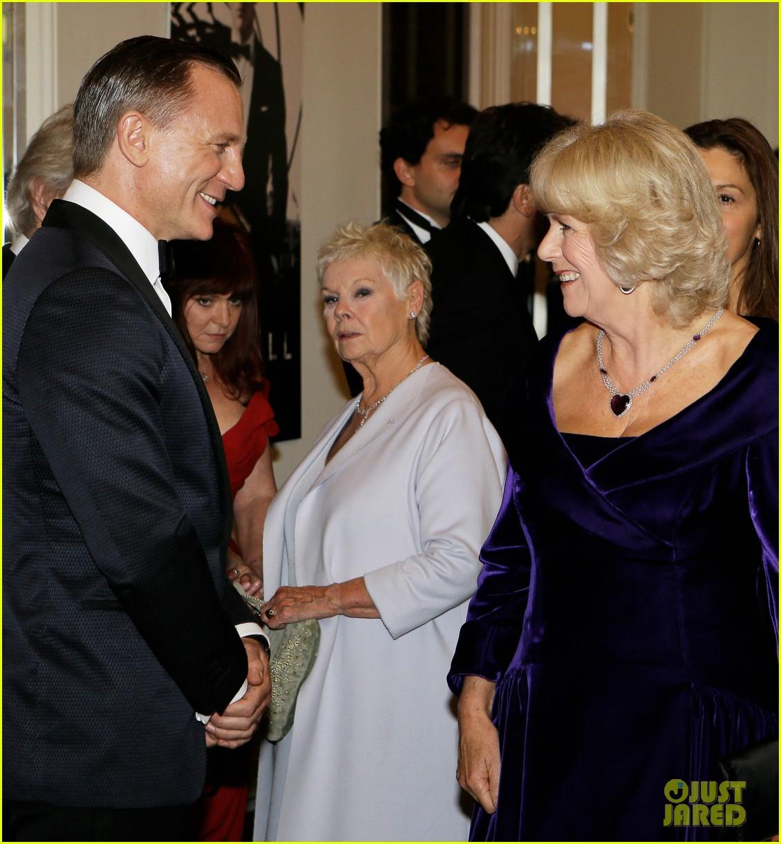 rachel weisz daniel craig meet the royals at skyfall premiere 052743732