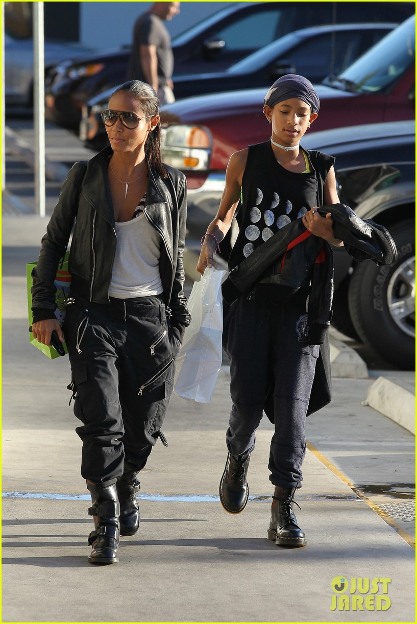 willow smith tra di noi lunch with mom jada 092739777