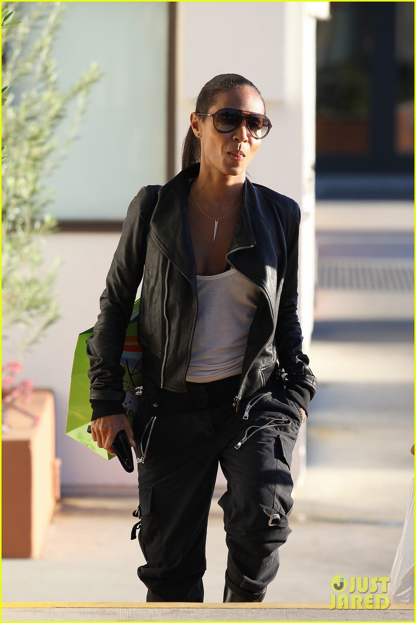 willow smith tra di noi lunch with mom jada 12