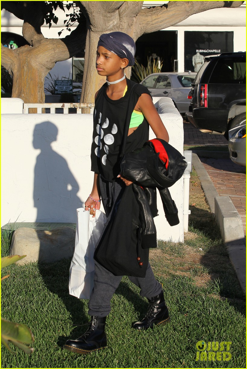 willow smith tra di noi lunch with mom jada 14