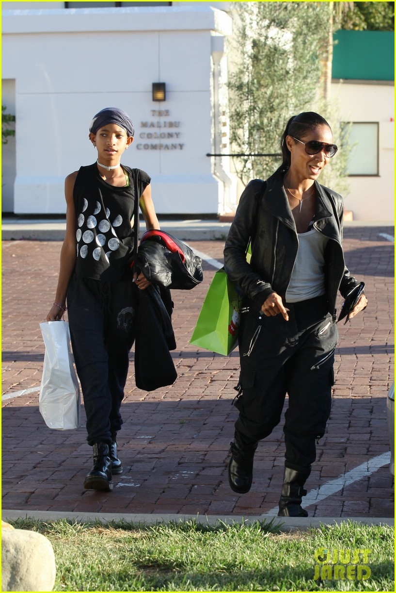 willow smith tra di noi lunch with mom jada 242739792