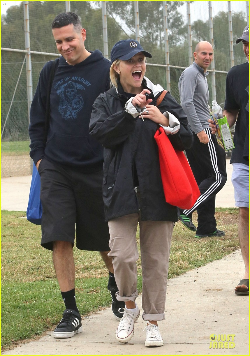 reese witherspoon jim toth deacons soccer game 032741611