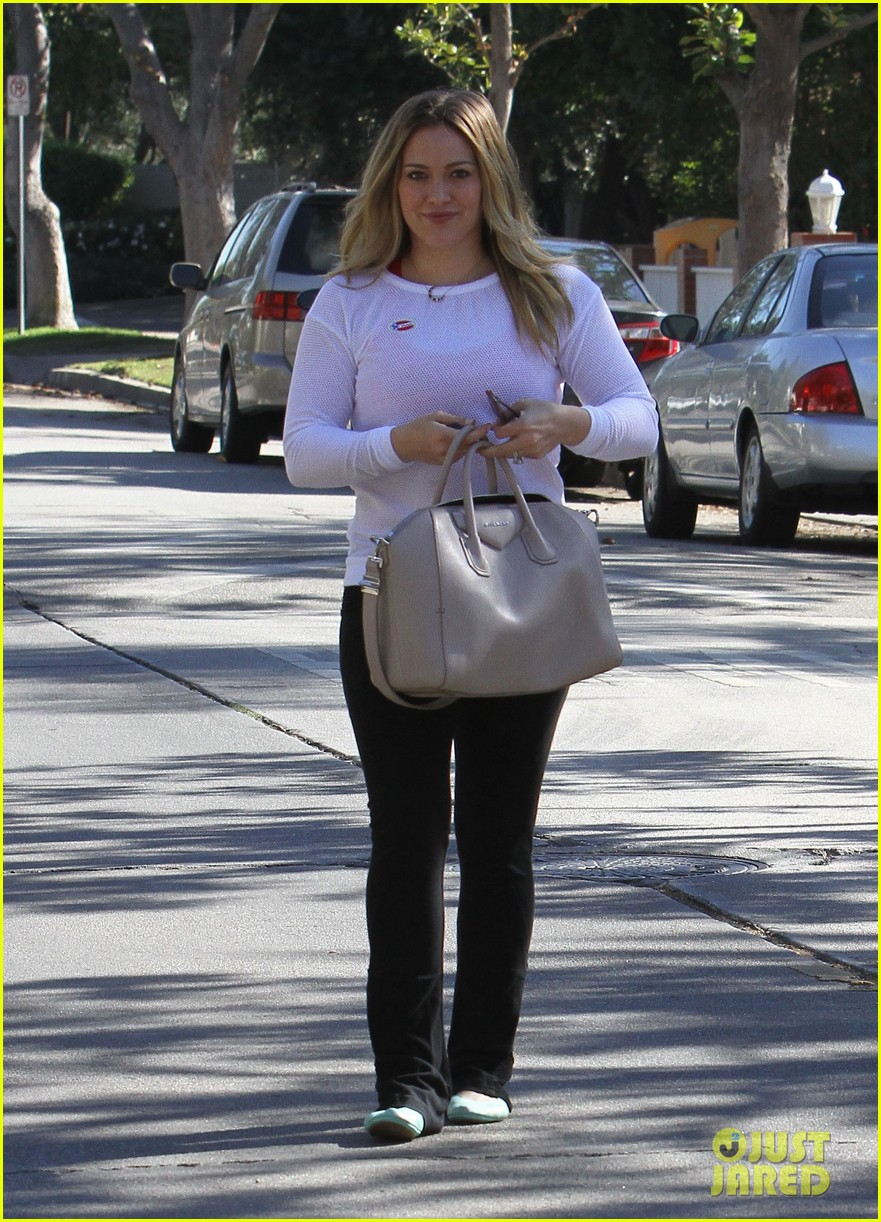 dianna agron hilary duff ladies who vote 13