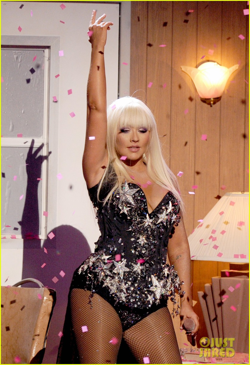 christina aguilera amas performance 2012 watch now 012760401