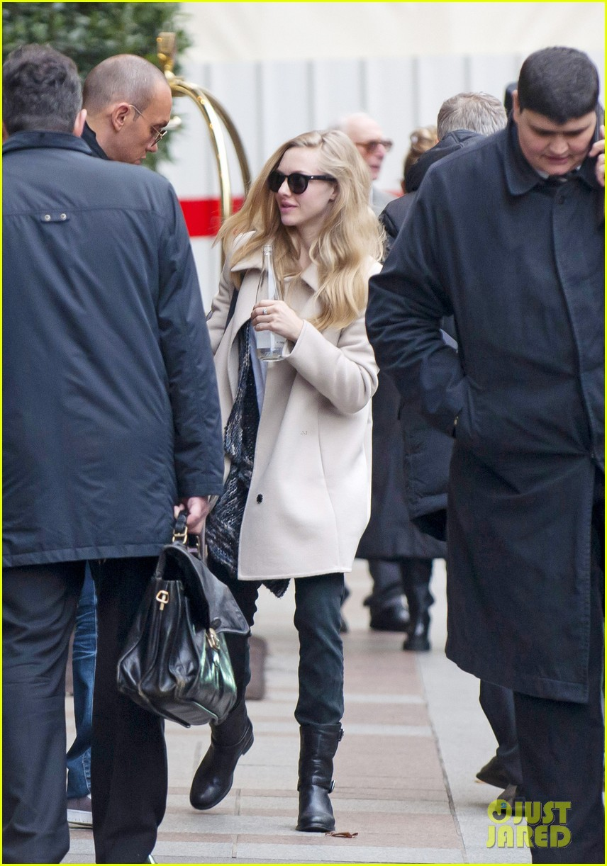 amanda seyfried au revoir paris 01