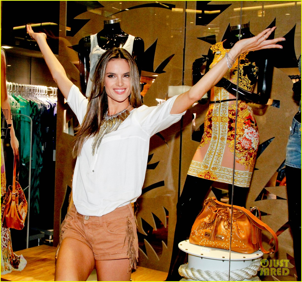 alessandra ambrosio colcci collection launch in rio 04