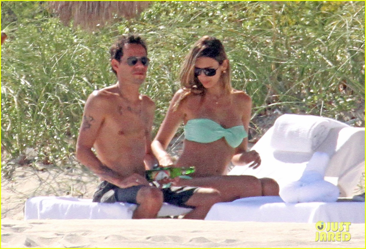 Marc Anthony: Shirtless with Shannon De Lima & the Twins!