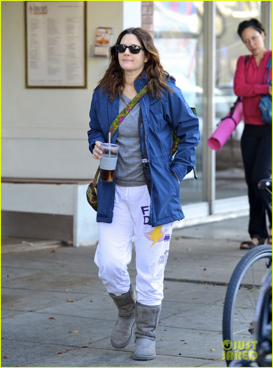 drew barrymore los angeles stroll 02