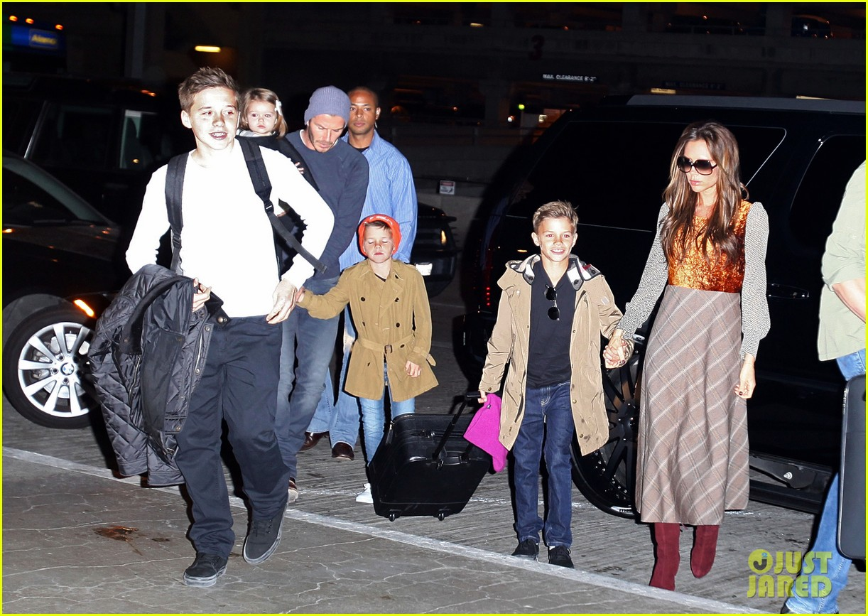 david victoria beckham depart lax with kids 01