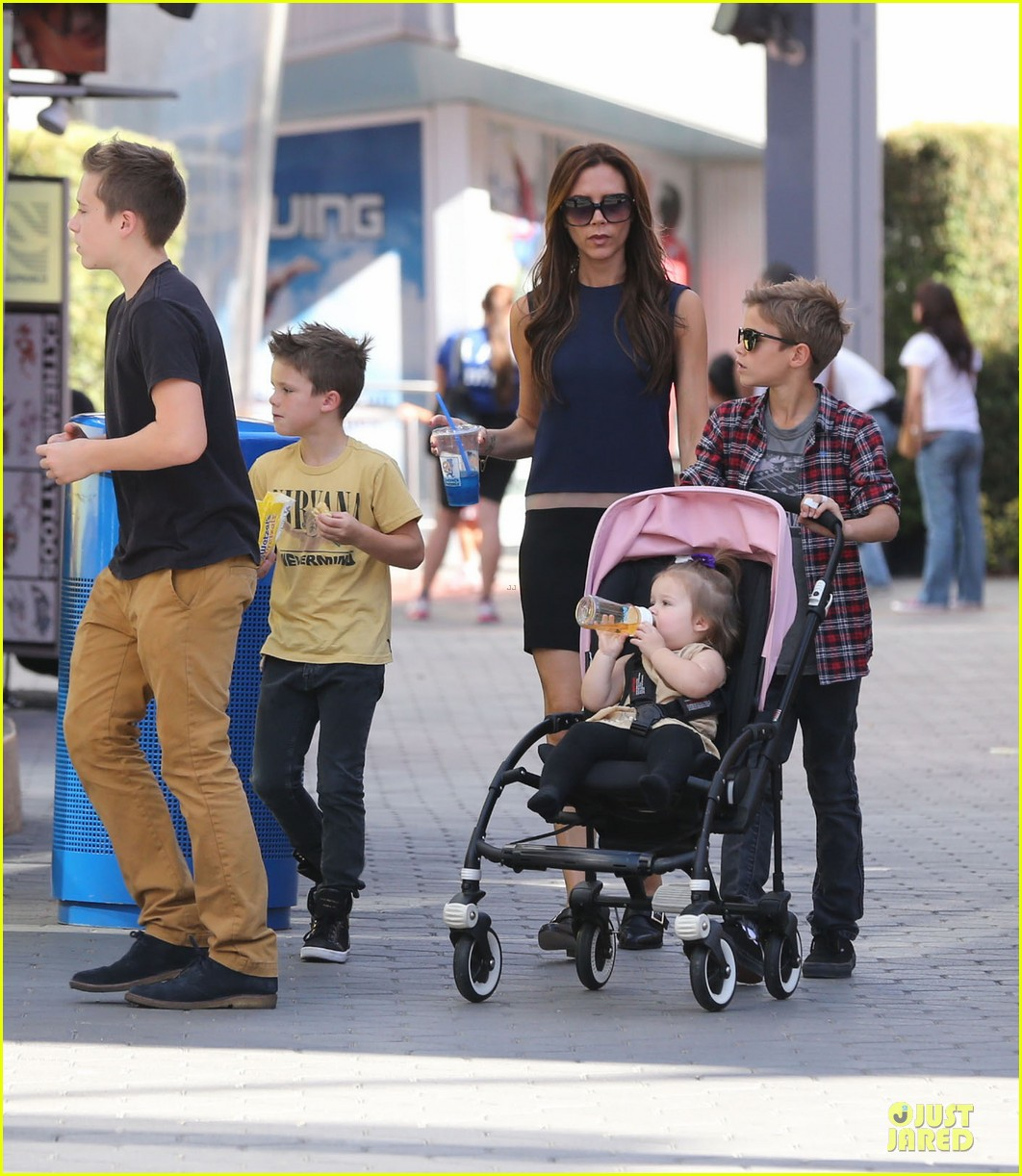 http://cdn03.cdn.justjared.com/wp-content/uploads/2012/11/beckham-universal/victoria-beckham-universal-city-walk-with-the-kids-18.jpg