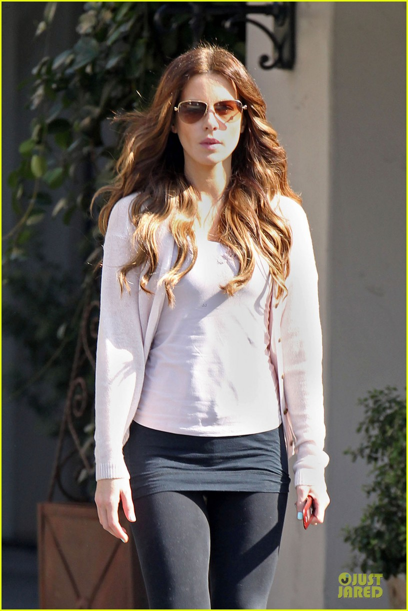 kate beckinsale office building meeting in los angeles 022750044