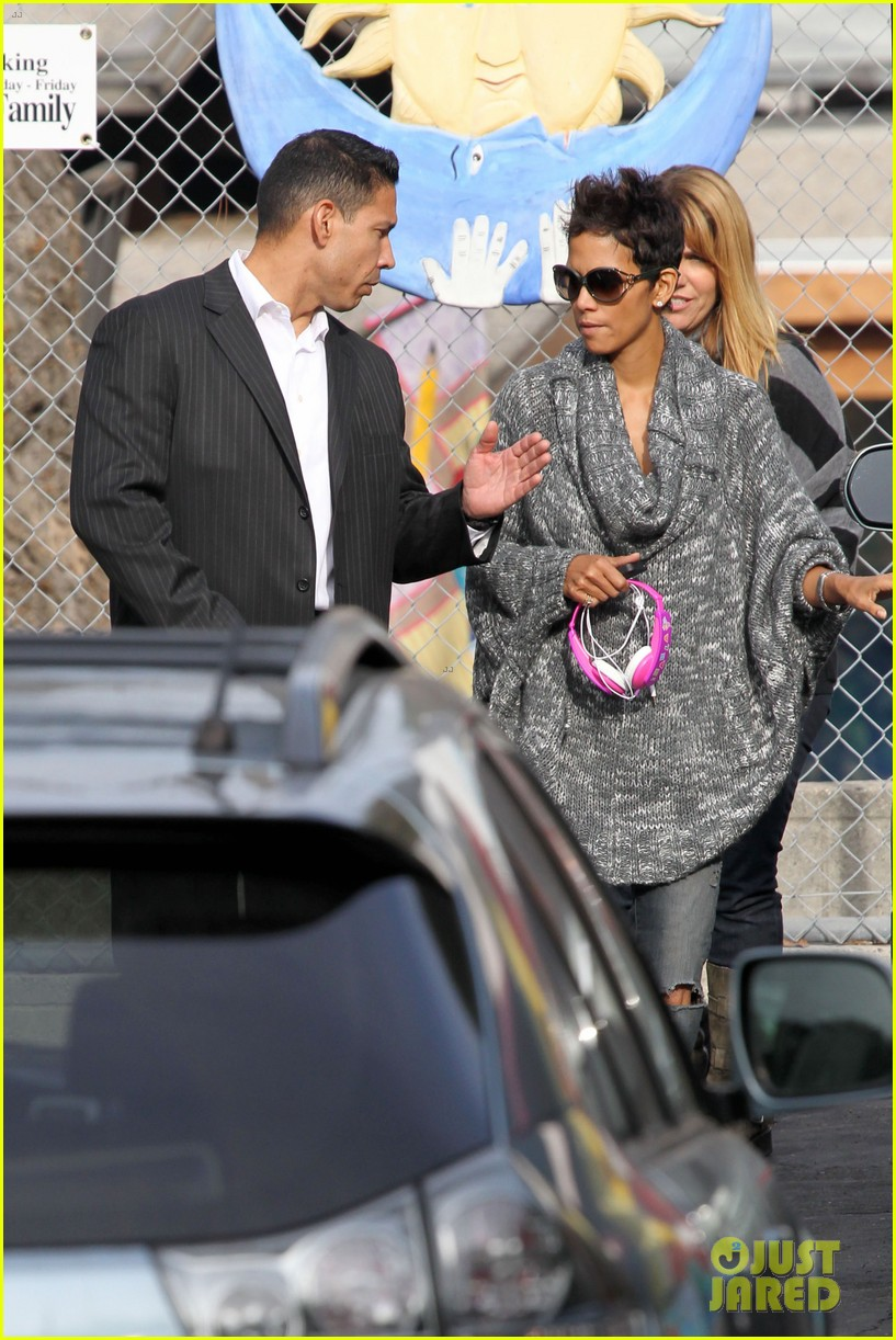 halle berry drops nahla off at school 10