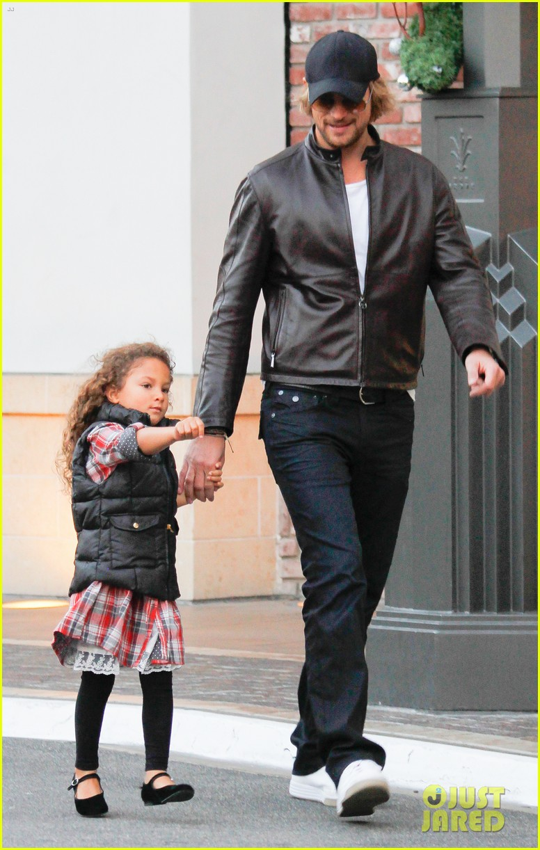 halle berry olivier martinez early thanksgiving party nahla aubry 07