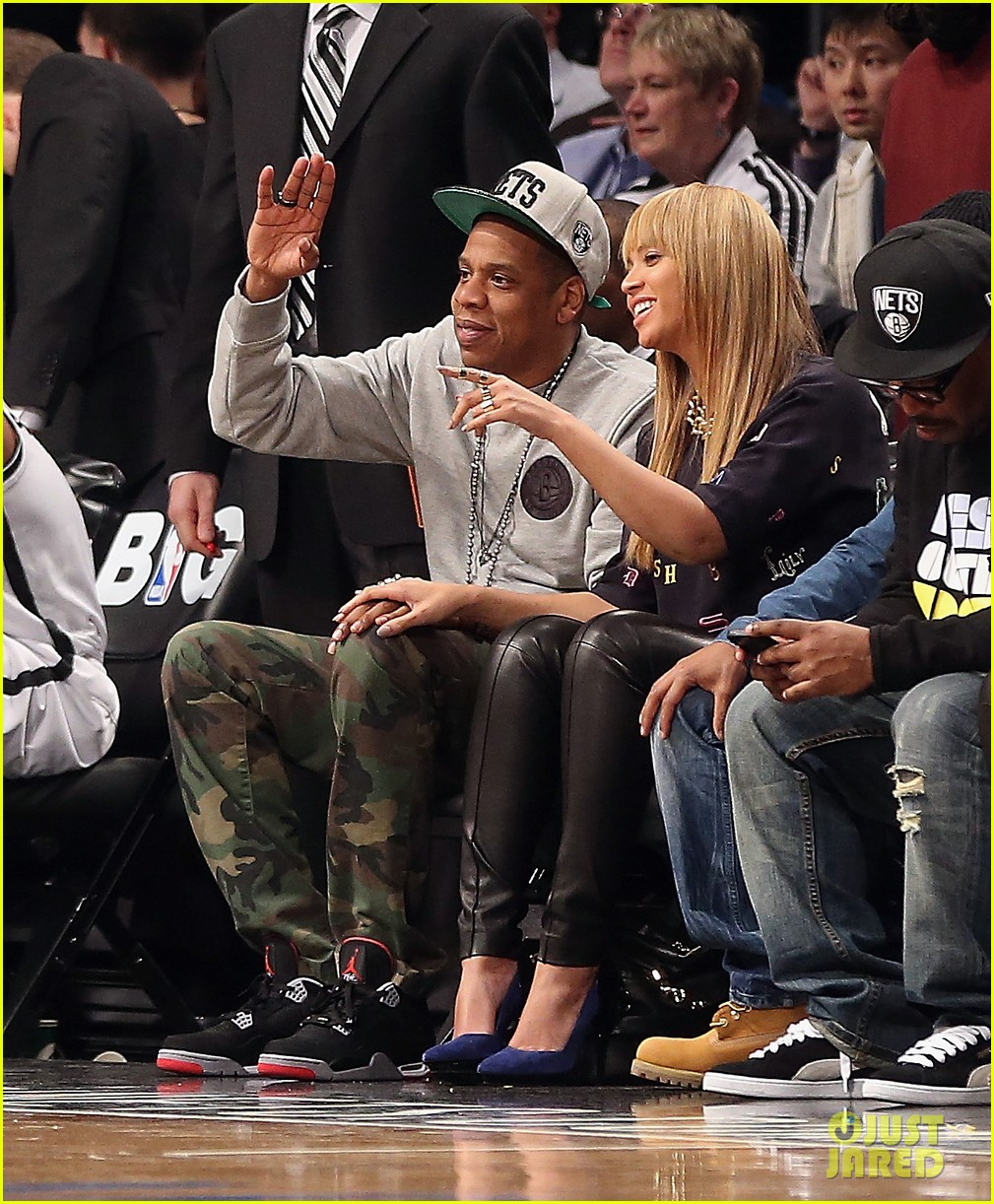 beyonce jay z nets vs knicks game at barclays center 03