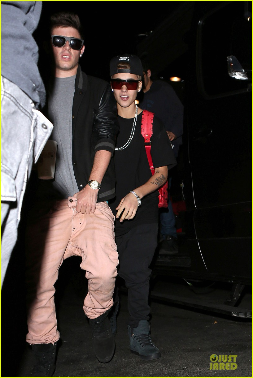 justin bieber selena gomez benihana dinner date 01