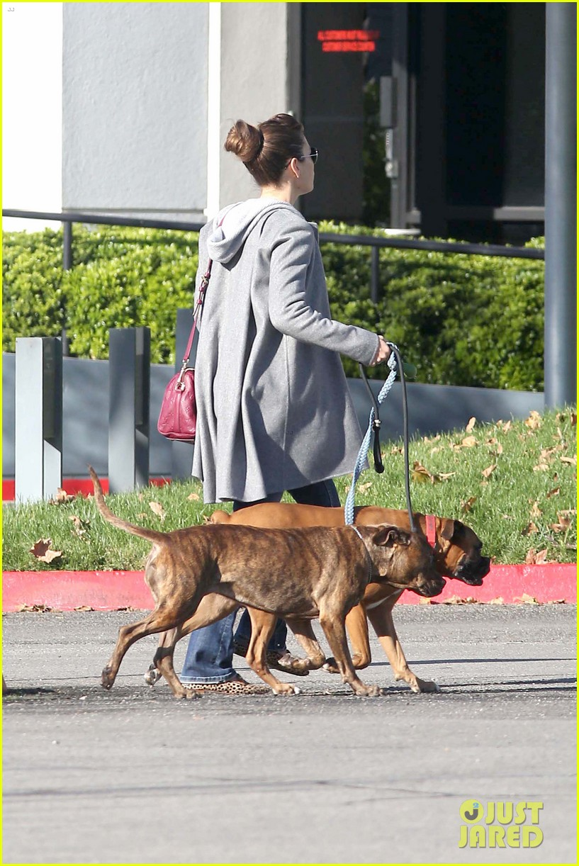 jessica biel dog walk before private plane departure 03