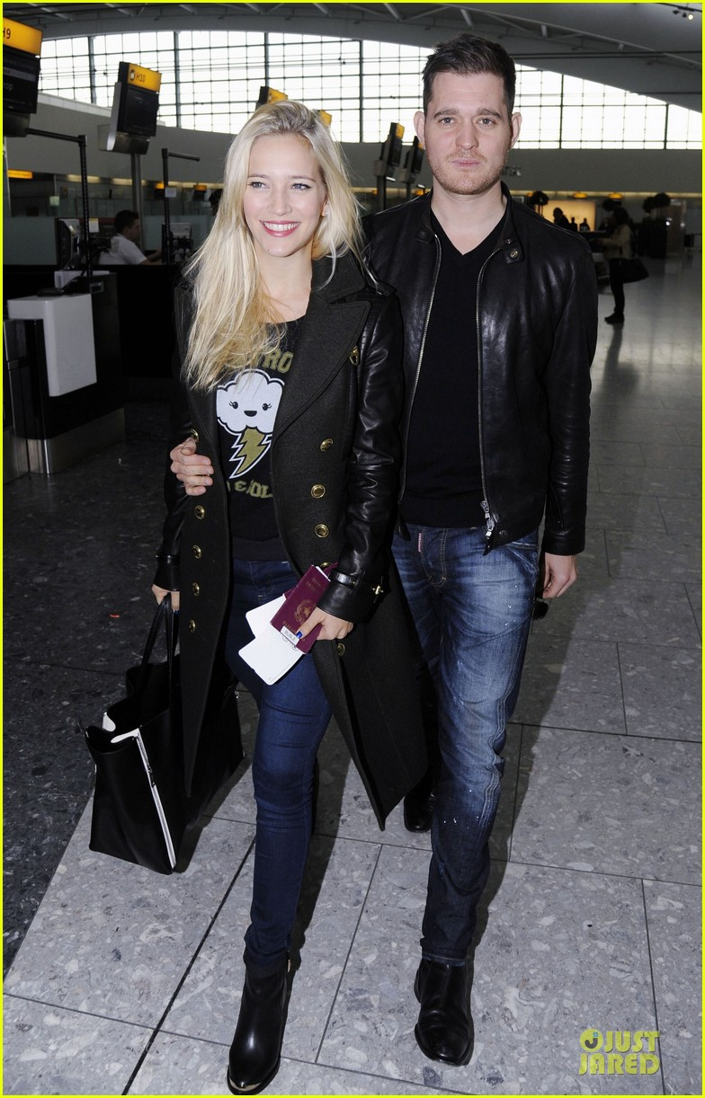 michael buble luisana lopilato london departing couple 012752390