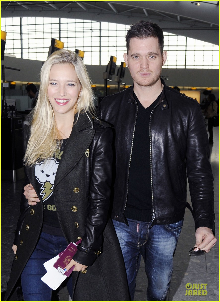 michael buble luisana lopilato london departing couple 022752391
