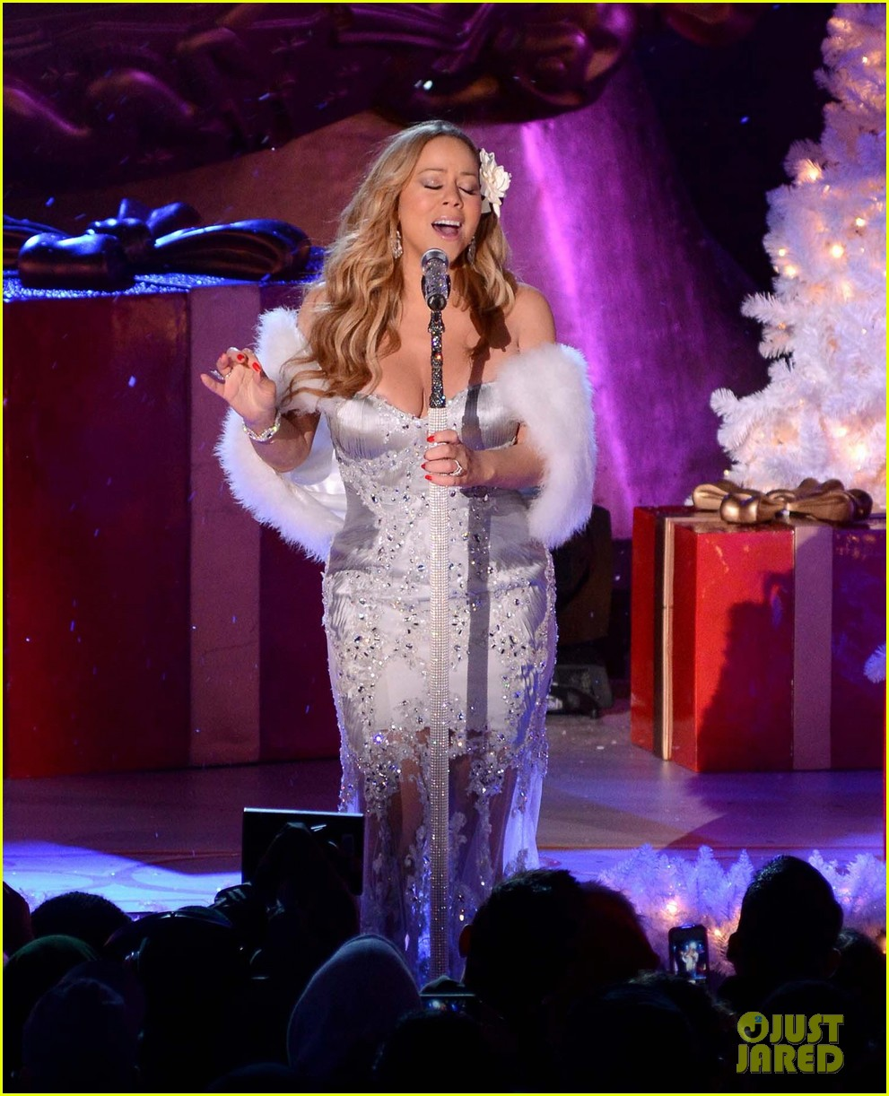 mariah carey rockefeller center tree lighting performance 04