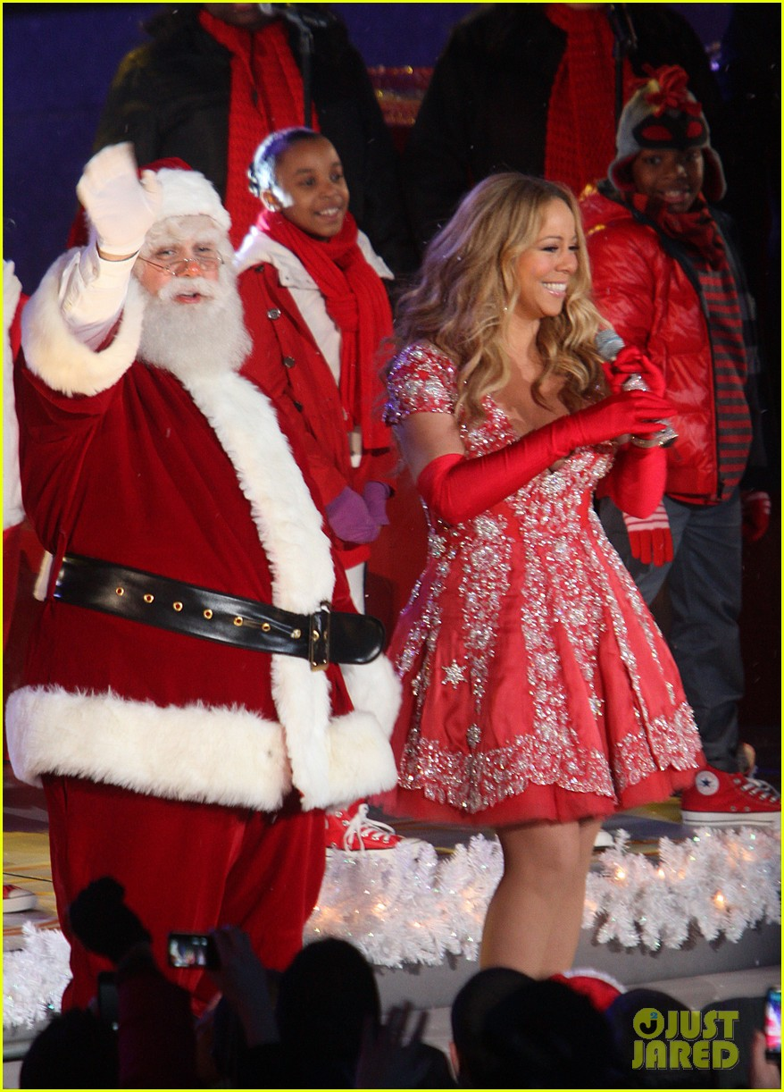 mariah carey rockefeller center tree lighting performance 15