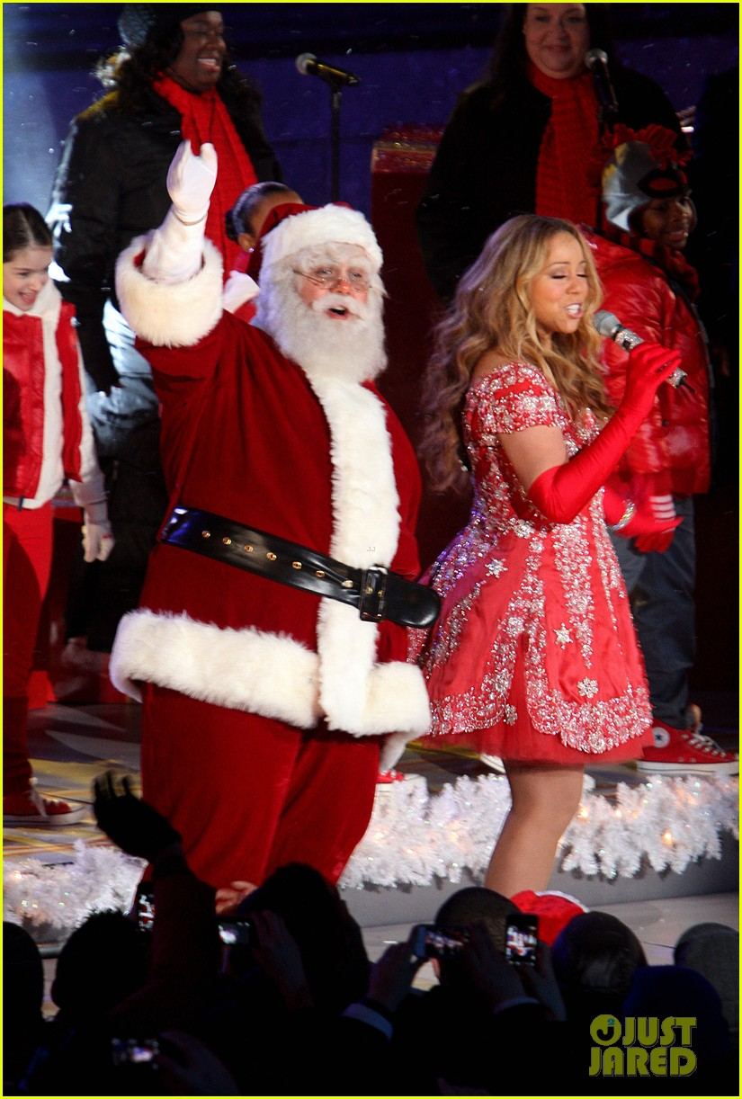 mariah carey rockefeller center tree lighting performance 19