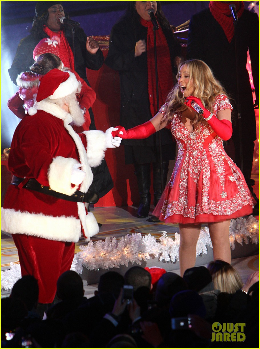 mariah carey rockefeller center tree lighting performance 21