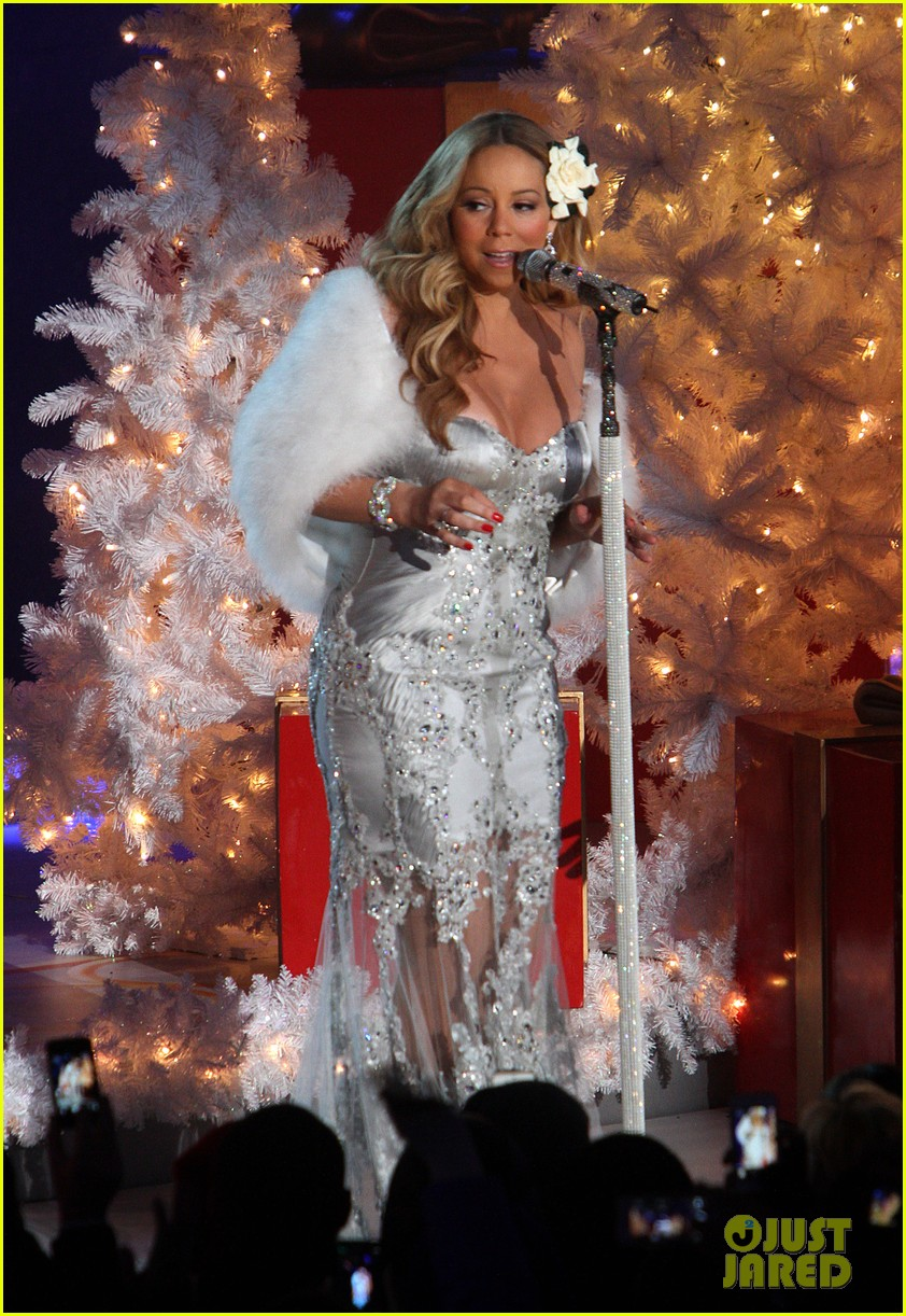 mariah carey rockefeller center tree lighting performance 292765210