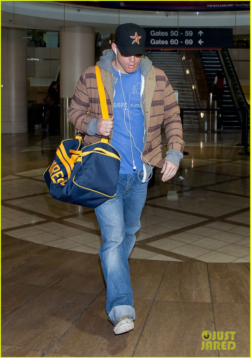 channing tatum thanksgiving day airport 05