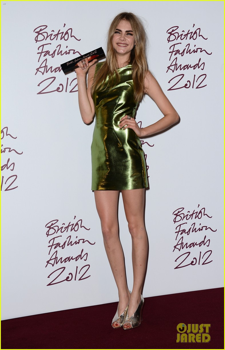 alexa chung cara delevingne british fashion awards winners 17