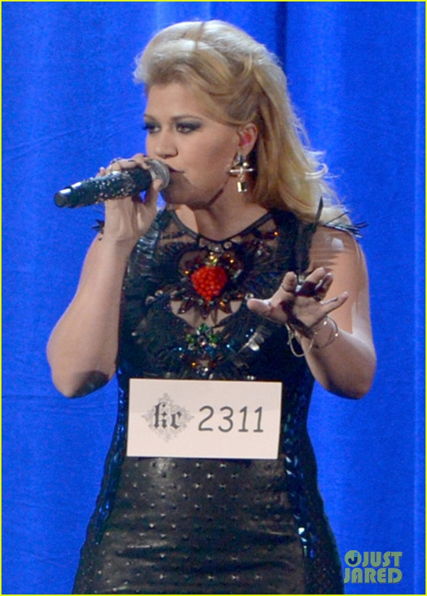 kelly clarkson greatest hits amas performance watch now 02