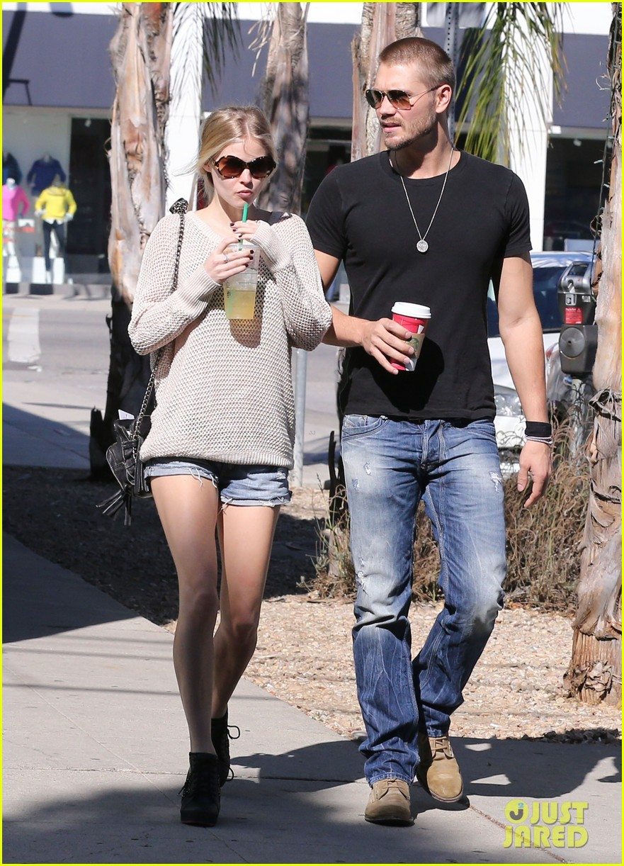 chad michael murray kenzie dalton starbucks sweeties 122752512